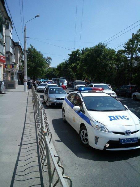 Автопробег крымских татар в Симферополе усиленно охраняли. На выезде из города участников встречали силовики (ФОТО, ВИДЕО) (фото) - фото 2