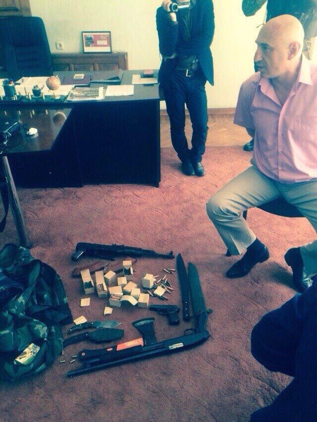При задержании за взятку Сергея Степанюка его охрана оказала сопротивление (ФОТО) (фото) - фото 2