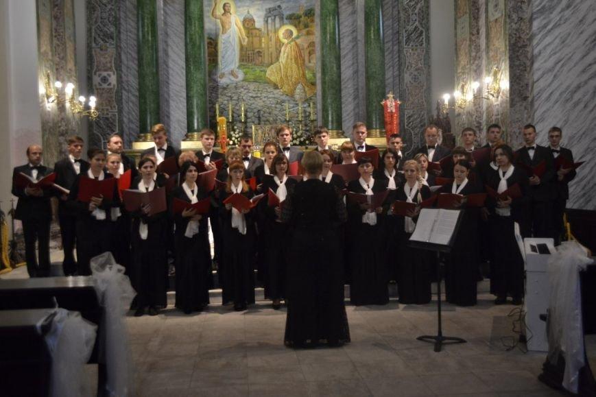 Днепродзержинский хор «Cantabile» стал призером международного фестиваля «Victoria» (фото) - фото 3
