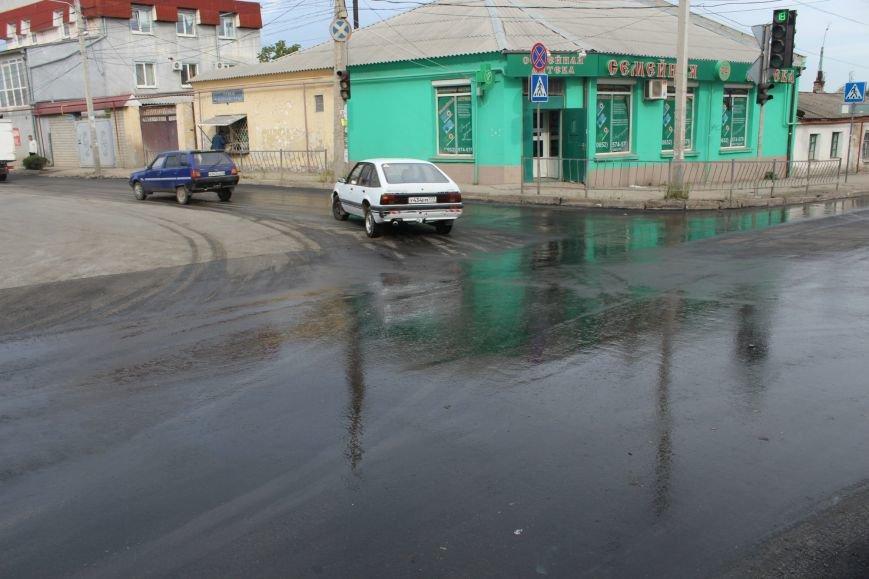 В Старом городе наконец-то отремонтировали многострадальный перекресток (ФОТОФАКТ) (фото) - фото 2