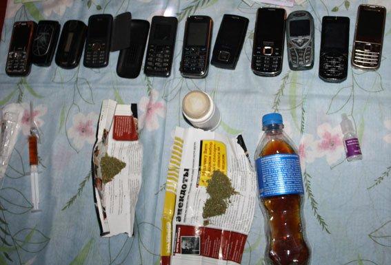 За выходные милиция Кременчуга задержала троих торговцев наркотиками (ФОТО) (фото) - фото 1