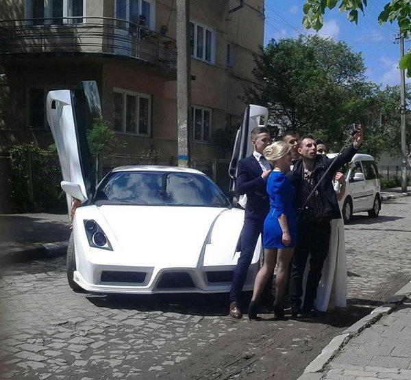Оформив субсидію? Катайся на Ferrari! (фото) - фото 2