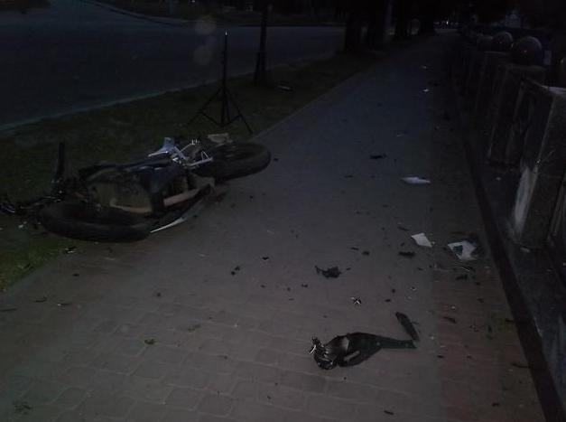 ДТП в центре Харькова: двое погибших (ФОТО) (фото) - фото 1
