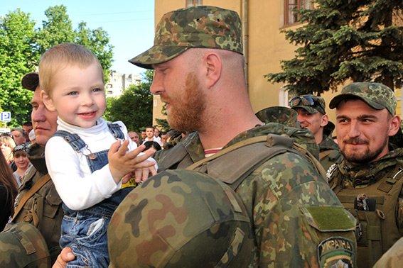 Прикарпатські правоохоронці повернулися з Маріуполя з подяками за добросовісну службу (ФОТО) (фото) - фото 7