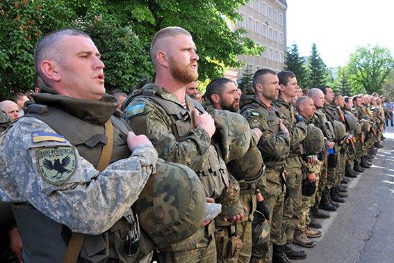 Прикарпатські правоохоронці повернулися з Маріуполя з подяками за добросовісну службу (ФОТО) (фото) - фото 3