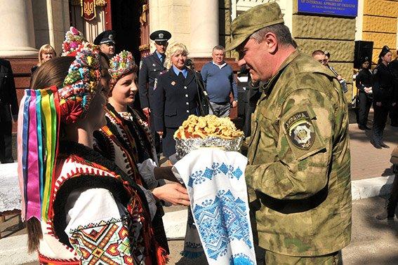 Прикарпатські правоохоронці повернулися з Маріуполя з подяками за добросовісну службу (ФОТО) (фото) - фото 5
