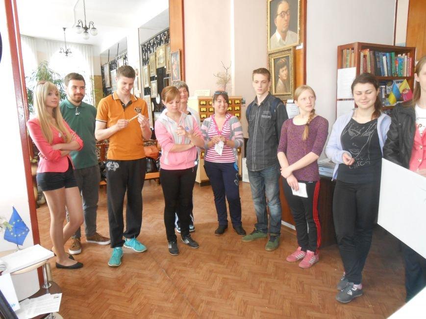 В Днепродзержинске представили европейскую выставку (фото) - фото 9