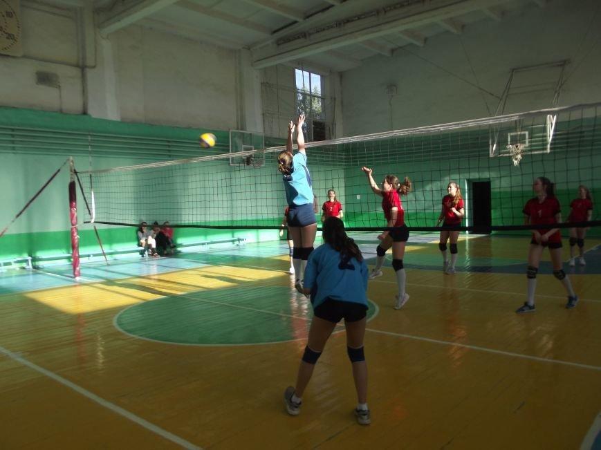 Команда города Родинское стала серебряным призером на межобластном турнире по волейболу (фото) - фото 6