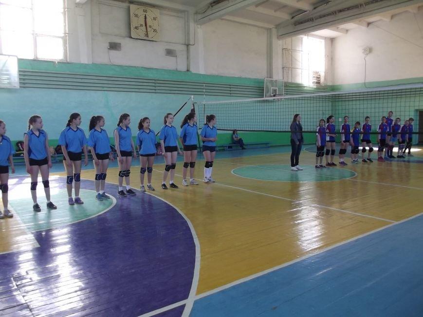 Команда города Родинское стала серебряным призером на межобластном турнире по волейболу (фото) - фото 2