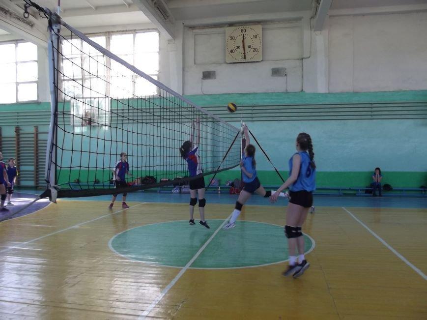 Команда города Родинское стала серебряным призером на межобластном турнире по волейболу (фото) - фото 8