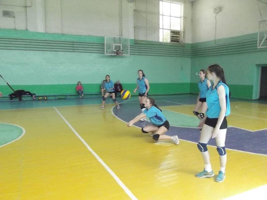 Команда города Родинское стала серебряным призером на межобластном турнире по волейболу (фото) - фото 3