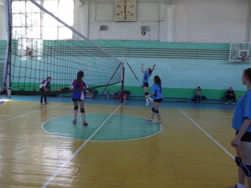 Команда города Родинское стала серебряным призером на межобластном турнире по волейболу (фото) - фото 9