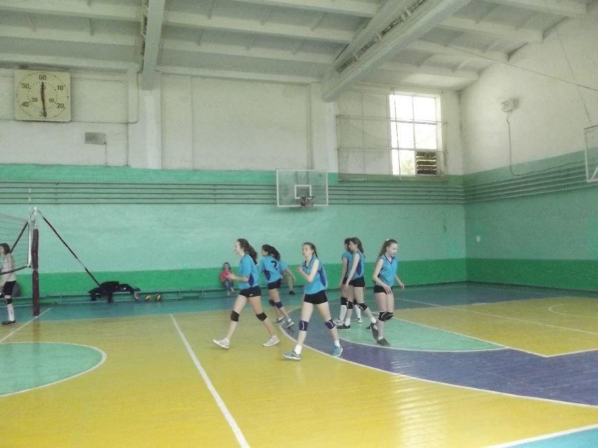 Команда города Родинское стала серебряным призером на межобластном турнире по волейболу (фото) - фото 4