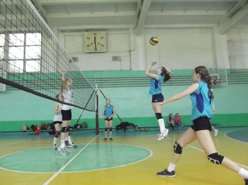 Команда города Родинское стала серебряным призером на межобластном турнире по волейболу (фото) - фото 5