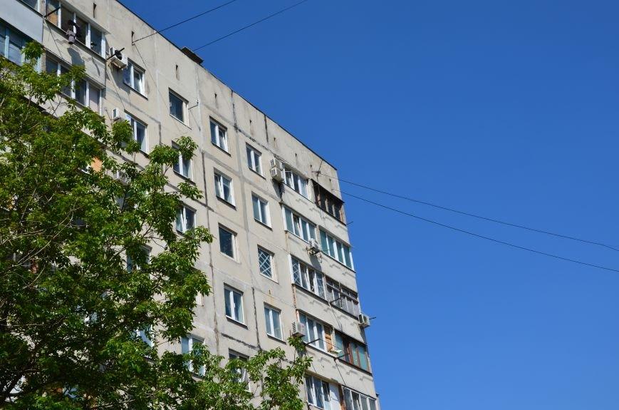 В Мариуполе посол ЕС в Украине посмотрел оборонительные сооружения и разрушенный «Восточный» (ФОТОРЕПОРТАЖ), фото-26