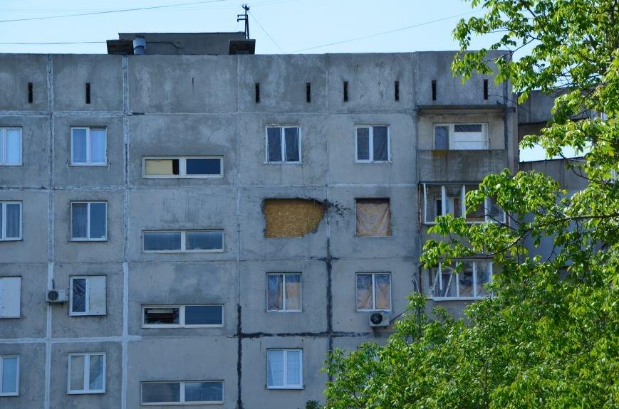 В Мариуполе посол ЕС в Украине посмотрел оборонительные сооружения и разрушенный «Восточный» (ФОТОРЕПОРТАЖ), фото-22