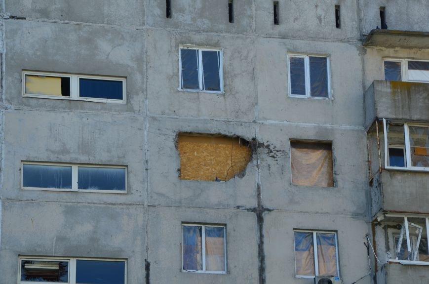 В Мариуполе посол ЕС в Украине посмотрел оборонительные сооружения и разрушенный «Восточный» (ФОТОРЕПОРТАЖ), фото-1