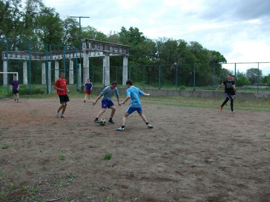 В Днепродзержинске прошли соревнования по мини - футбол (фото) - фото 3