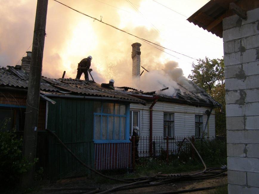 У Житомирі на провулку Московському палала господарча будівля (фото) - фото 1