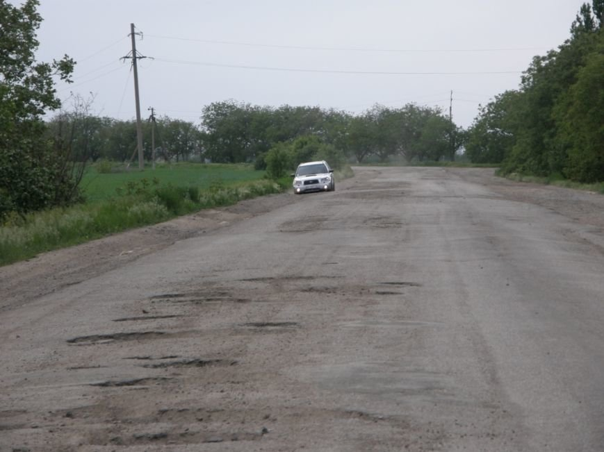 В Одесской области саботируют ремонт дорог: Ужасы подъезда к Раздельной (ФОТО) (фото) - фото 1