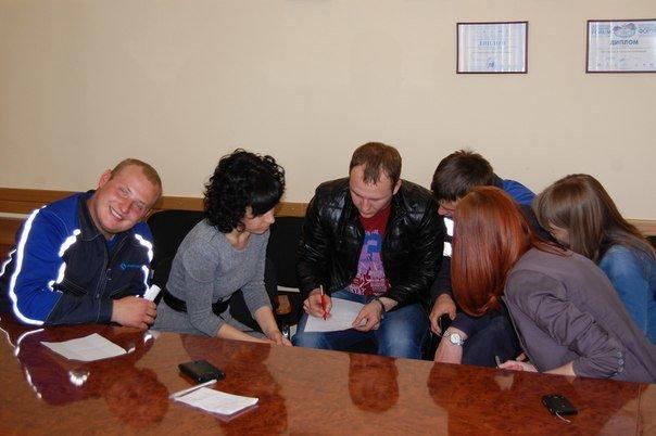 Молодые специалисты завода учат английский (фото) - фото 1