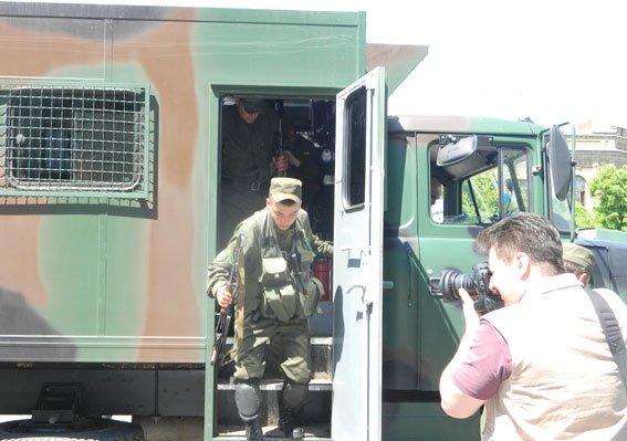 В Кременчуг вернулись бойцы Национальной Гвардии Украины (ФОТО) (фото) - фото 1