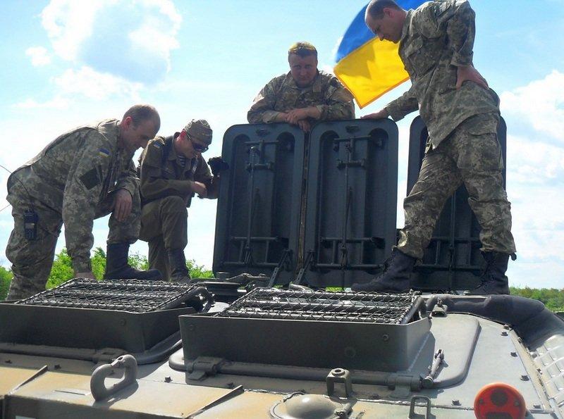 Волонтеры Николаевщины перевели на эконом-режим БТР для бойцов АТО (ФОТО) (фото) - фото 2