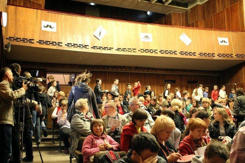 У Львові відбувся 10-й Ювілейний міжнародний фестиваль особливих театрів «У старому кіно» (ФОТОРЕПОРТАЖ) (фото) - фото 2