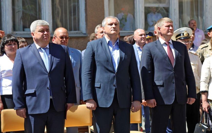 В Симферополе прошла первая отправка крымских призывников в армию России (ФОТО) (фото) - фото 2