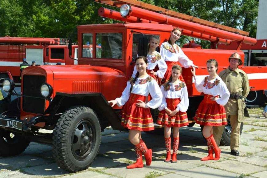 Криворожские «Ангелы» тушили пожар в Днепропетровске (ФОТО) (фото) - фото 1