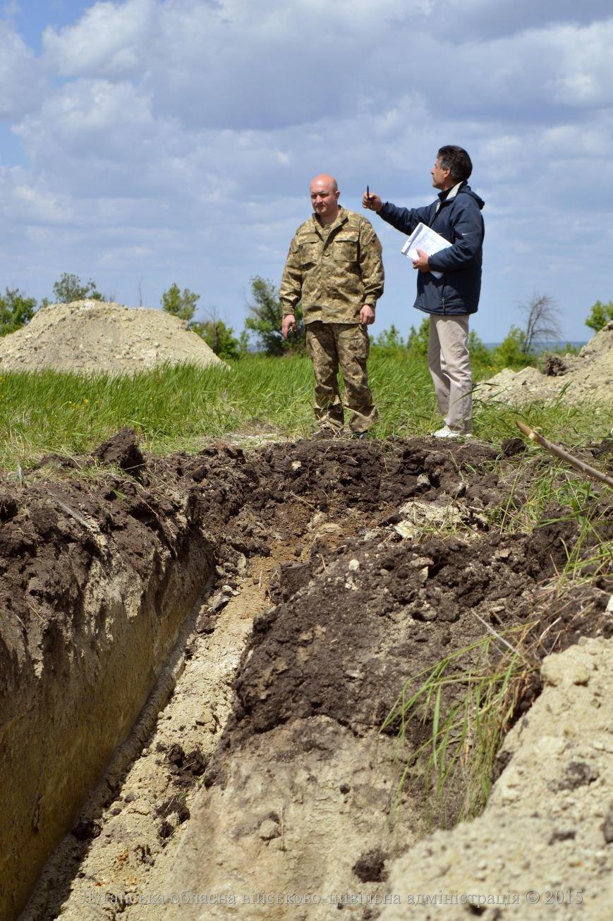 В Луганской области заканчивают строить «линию Порошенко» на границе с сепаратистами (ФОТО) (фото) - фото 4