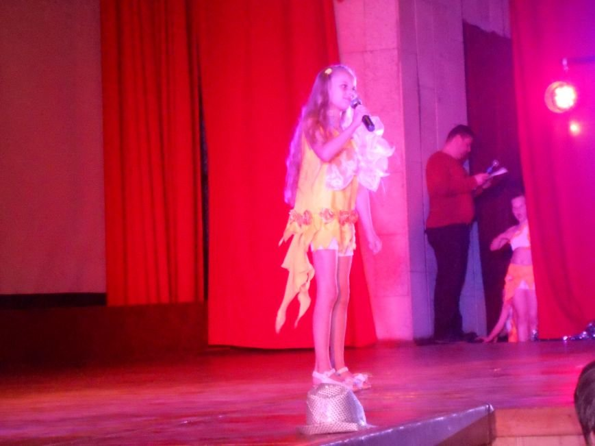 В Днепродзержинске состоялся отчетный концерт «Gold Stars» (фото) - фото 6