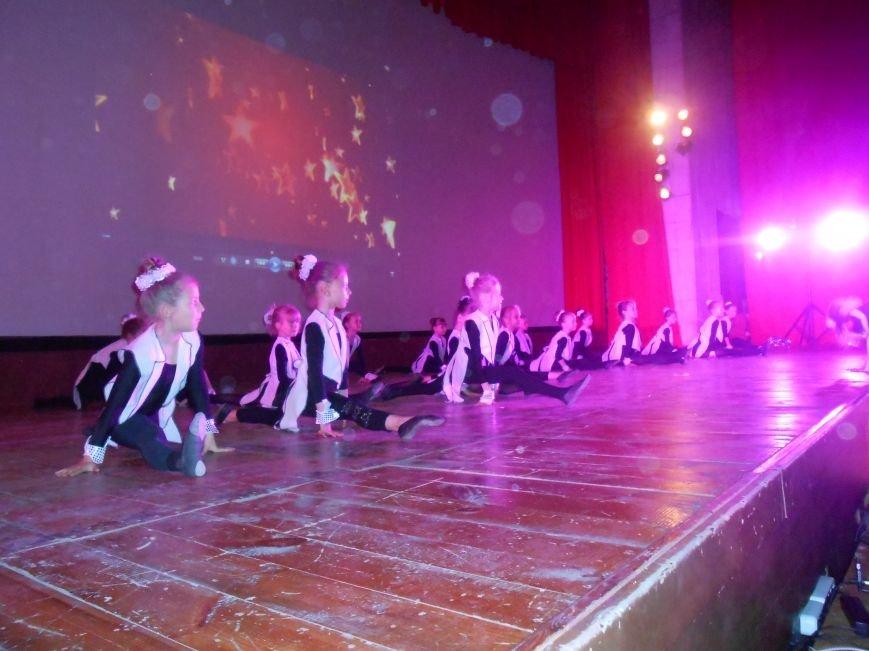 В Днепродзержинске состоялся отчетный концерт «Gold Stars» (фото) - фото 11