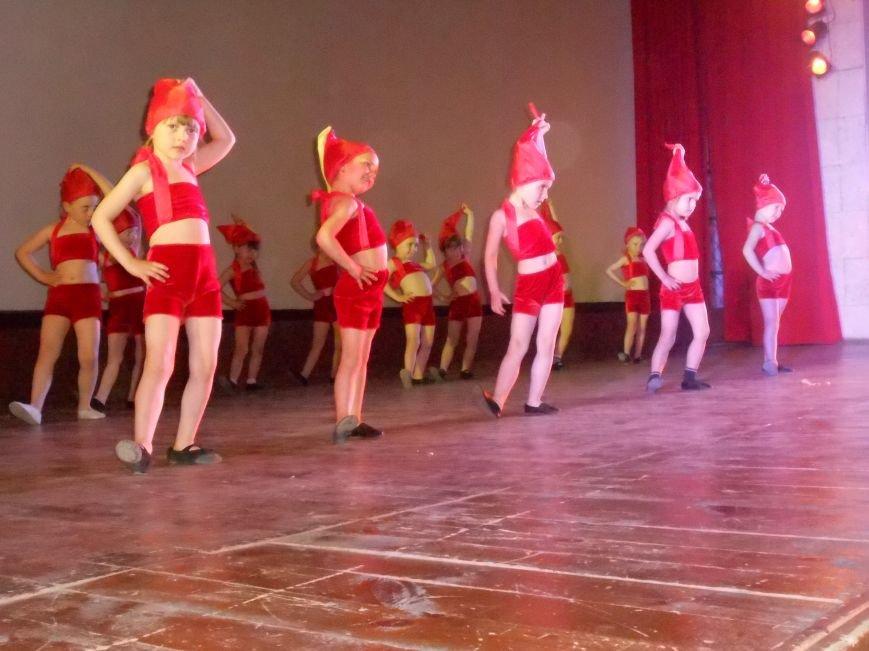 В Днепродзержинске состоялся отчетный концерт «Gold Stars» (фото) - фото 13