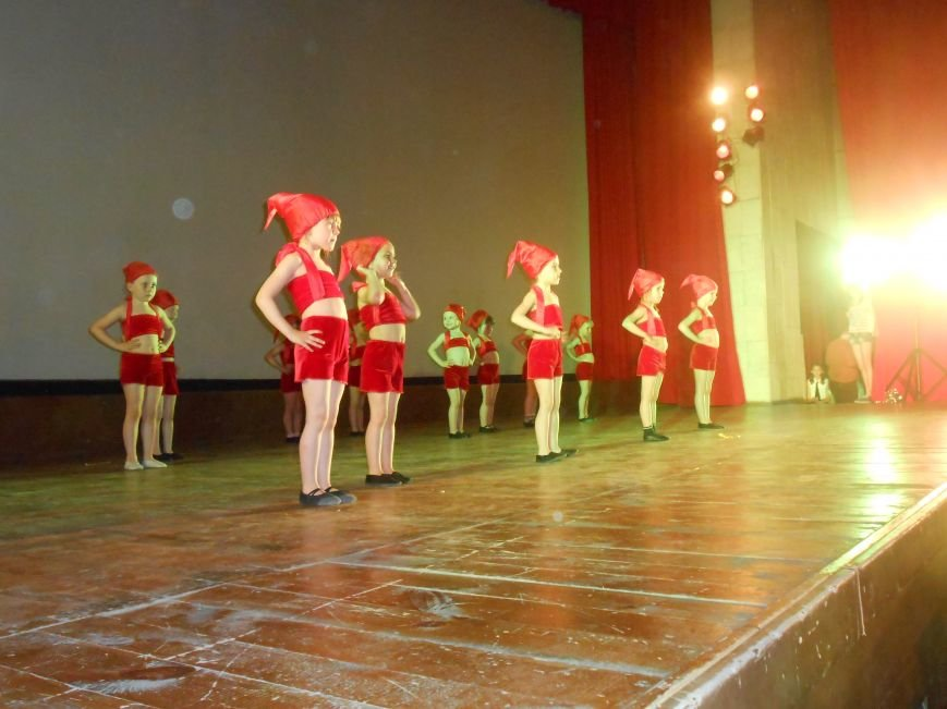 В Днепродзержинске состоялся отчетный концерт «Gold Stars» (фото) - фото 12