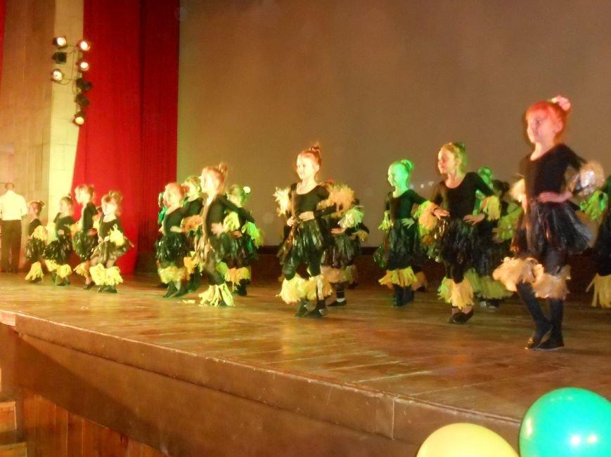 В Днепродзержинске состоялся отчетный концерт «Gold Stars» (фото) - фото 5