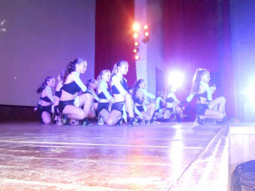 В Днепродзержинске состоялся отчетный концерт «Gold Stars» (фото) - фото 9