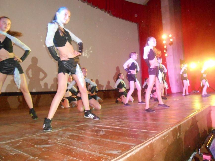 В Днепродзержинске состоялся отчетный концерт «Gold Stars» (фото) - фото 10
