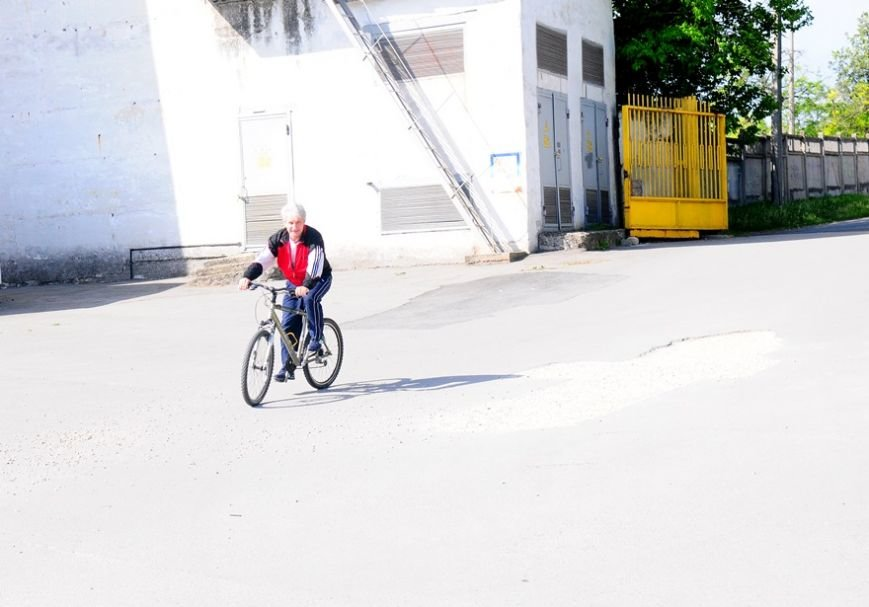 Министр спорта Крыма поддержал международную акцию и приехал на работу на велосипеде (ФОТО) (фото) - фото 3