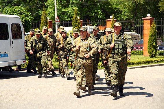 Зі Сходу на Хмельниччину повернувся зведений міліцейський загін (ФОТО) (фото) - фото 1