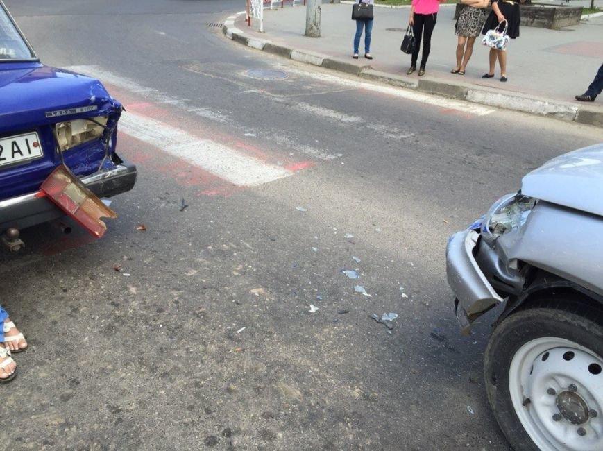 ДТП на перехресті вулиць Незалежності та Бандери (ФОТО), фото-5
