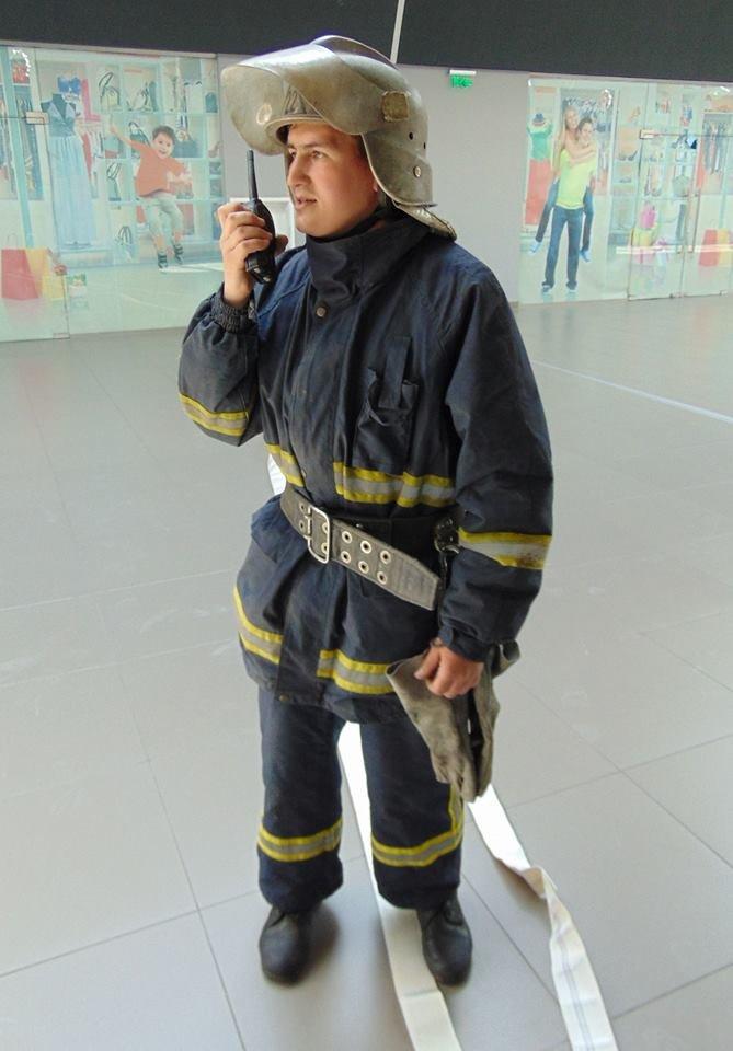 В Мариуполе плита  накрыла посетителя торгового центра (ФОТО), фото-4