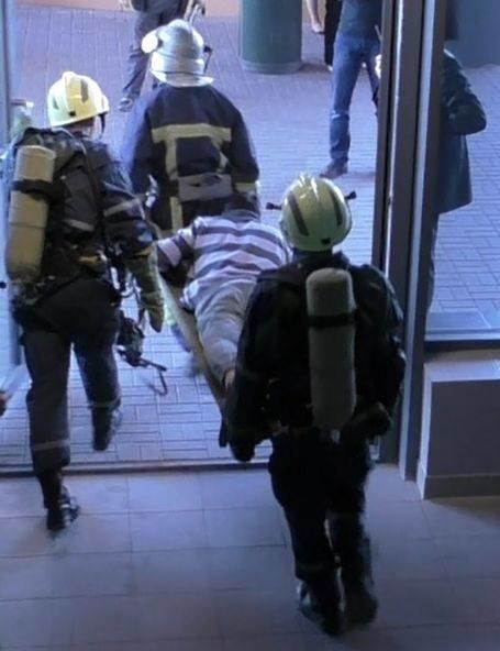 В Мариуполе плита  накрыла посетителя торгового центра (ФОТО), фото-2