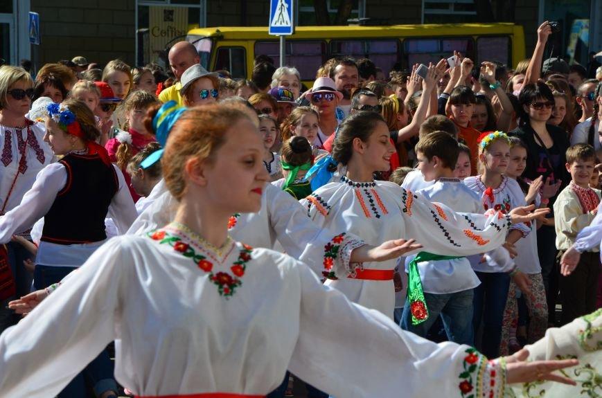 В Мариуполе отмечают День вышиванок (ФОТОРЕПОРТАЖ+ВИДЕО), фото-20
