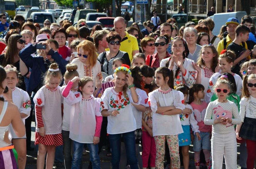 В Мариуполе отмечают День вышиванок (ФОТОРЕПОРТАЖ+ВИДЕО), фото-33