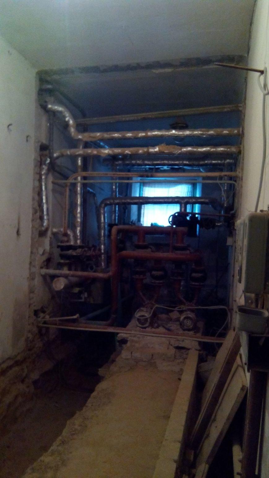 В Днепропетровском художественном музее больше года не работают туалеты (ФОТО) (фото) - фото 1