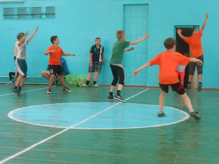 В Днепродзержинске гандболисты боролись за кубок Левого берега (фото) - фото 10