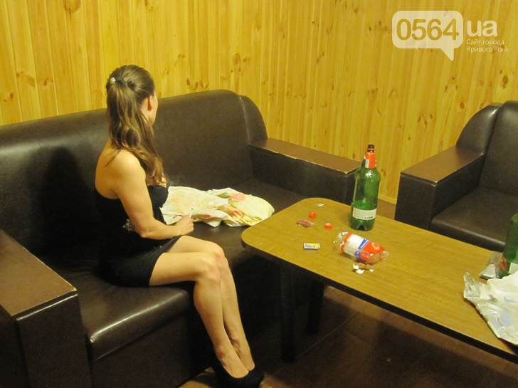 В Кривом Роге: закрыли сеть порностудий, поймали чиновника-взяточника, а на Восточном появилась вода (фото) - фото 2