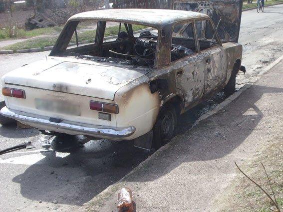 Угнать и сжечь. Так развлекается молодежь в Черниговской области (фото) - фото 2