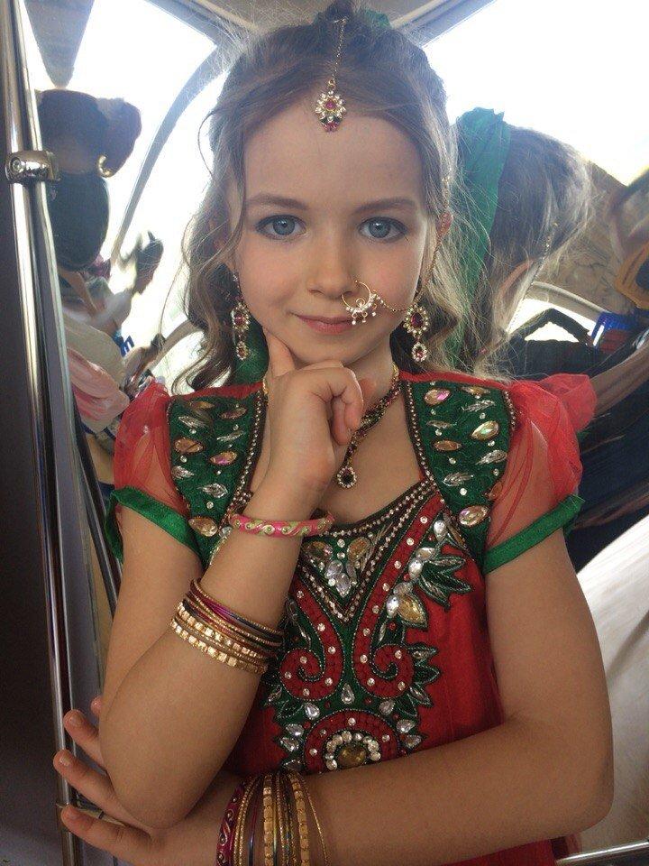 Юная ялтинка стала Mini Miss World на международном конкурсе красоты (фото) - фото 3